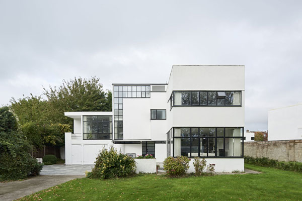 The Saltings 1930s Connell, Ward and Lucas modern house in Hayling Island, Hampshire