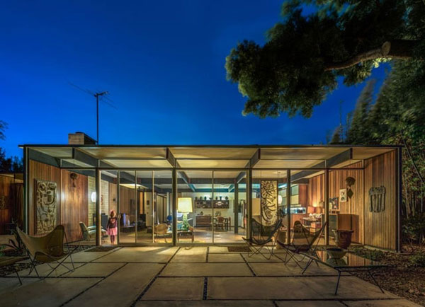 1950s midcentury modern: Craig Ellwood-designed Bobertz House in San Diego, California, USA