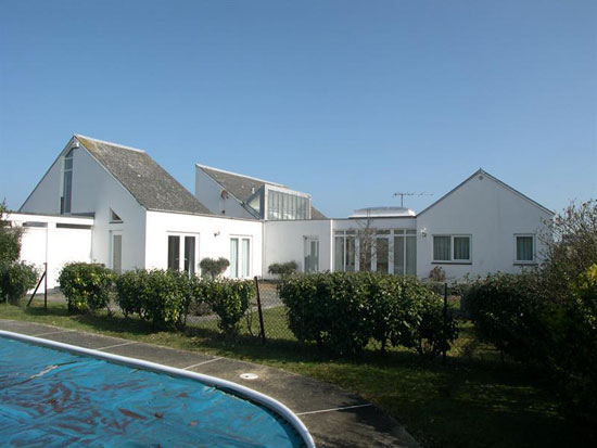 On the market: Lighthouse 1960s architect-designed five-bedroom property in Sandwich Bay, Kent