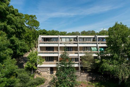 1970s Peter Tabori apartment on the Whittington Estate, London N19