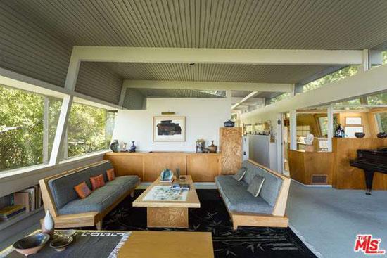 Historic midcentury: 1940s Rudolph Schindler-designed Kallis-Sharlin Residence in Hollywood Hills West, Los Angeles, California, USA