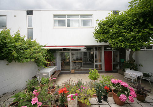1960s Edward Schoolheifer-designed house on the Manygate Lane Estate, Shepperton, Middlesex