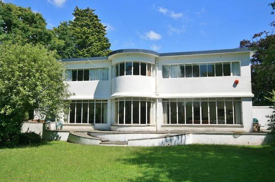 1930s Sea Roads six-bedroom art deco house in Penarth, Vale Of Glamorgan