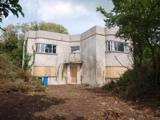 1930 art deco house in Minster On Sea, Sheerness, Kent under threat of demolition