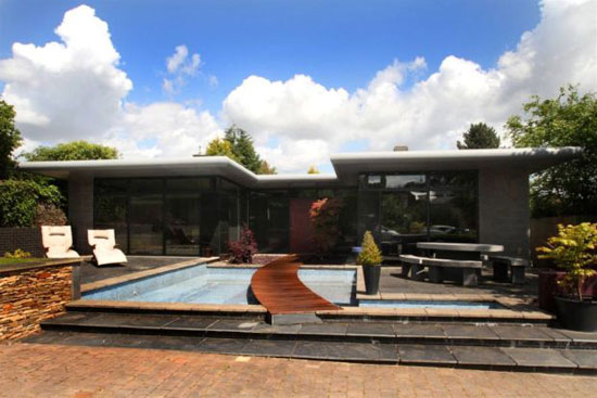 Paul Brady-designed four bedroom house in Totley, Sheffield, South Yorkshire