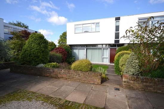 1960s modernism: Edward Schoolheifer-designed property in Manygate Lane, Shepperton, Middlesex