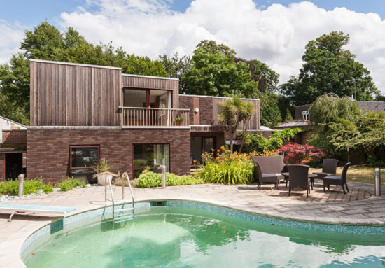 1970s E. G. Fisher & Associates-designed modernist property in Old Shepperton, Surrey