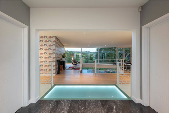 Circular modern house in Batcombe, Somerset