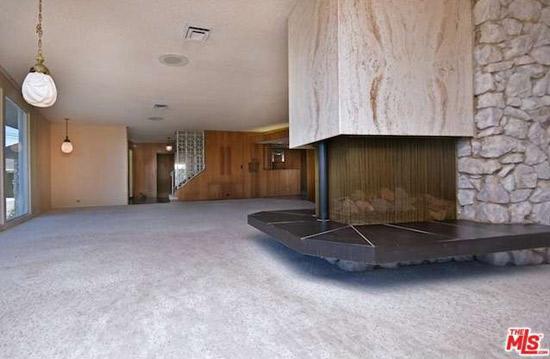 1960s midcentury modern property in Sherman Oaks, California, USA