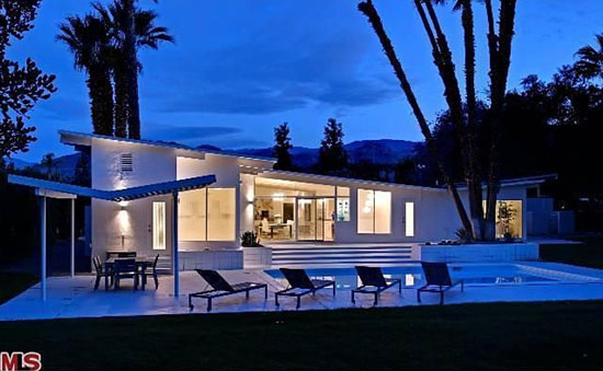 1960s four-bedroom midcentury modern property in Rancho Mirage, California, USA