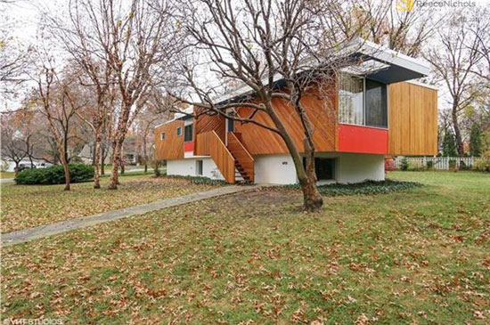 1950s Marcel Breuer-designed Snower Residence in Mission Hills, Kansas, USA