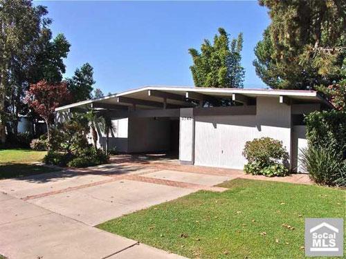 Midcentury modern: 1961 Eichler four-bedroomed house in Orange County, California, USA