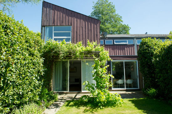 Span House: 1960s Eric Lyons-designed property in New Ash Green, Kent