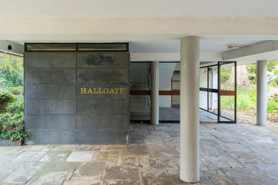 1950s Span house: Eric Lyons-designed apartment in Hallgate on the Cator Estate, Blackheath, London SE3