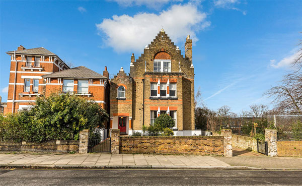 House From The Spaced Tv Show In London N7 Now For Sale Wowhaus