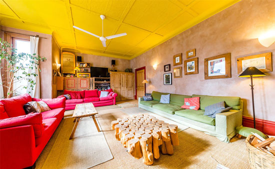 House from the Spaced TV show in London N7 now for sale