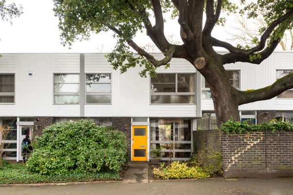 Span House: 1960s Eric Lyons-designed property on the Cator Estate, Blackheath, London SE3