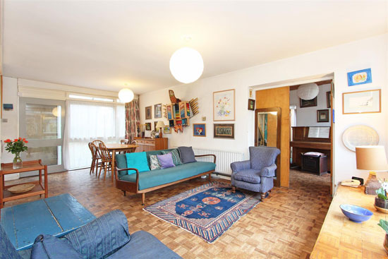 1960s Span House with artist's studio in London SW19
