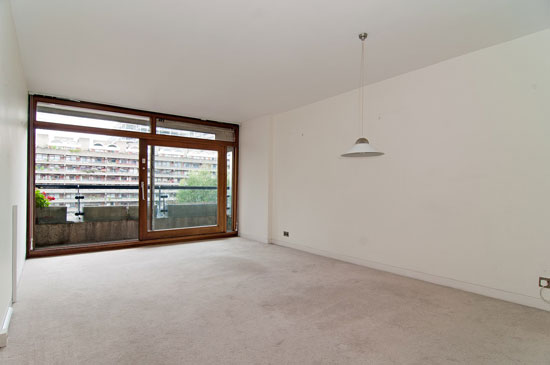 On the market two bedroom apartment in speed house on the barbican estate london ec2y for Two bedroom apartment in london