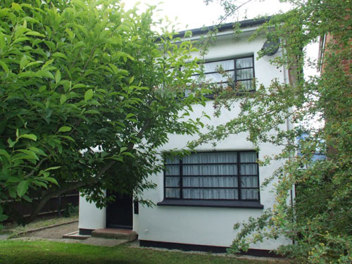 Affordable art deco: Three-bedroomed house in Bishop's Stortford, Herfordshire