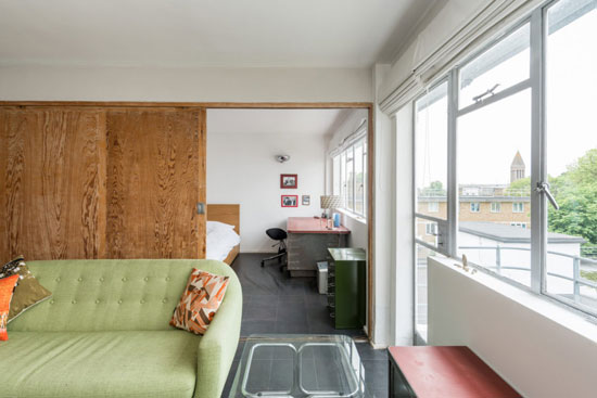 Apartment in Frederick Gibberd's 1930s modernist Pullman Court in Streatham Hill, London SW2