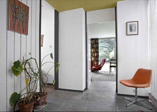 1960s architect-designed single-story property in Alveston, Stratford-upon-Avon, Warwickshire
