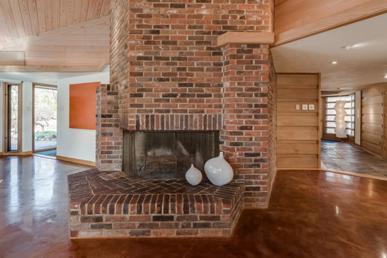 1950s Bernoudy-Mutrux-designed Simms house in St. Louis, Missouri, USA
