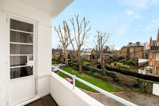 Art deco apartment: One-bedroom flat in the A. F. A. Trehearne-designed Stanbury Court, London NW3