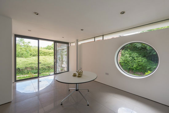 Robert Swan-designed modernist property in Bewdley, Worcestershire