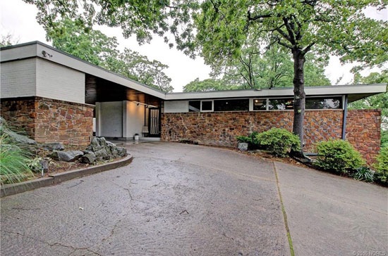 On the market: 1950s Donald Honn-designed midcentury modern property in Tulsa, Oklahoma, USA