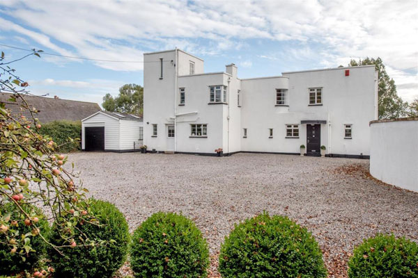 1930s art deco house in Taunton, Somerset
