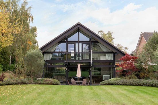 Four-bedroom Huf Haus in Tilehurst, Berkshire