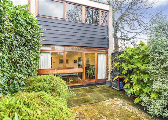 1960s Andrews, Emerson & Sherlock-designed modernist property in London SW19