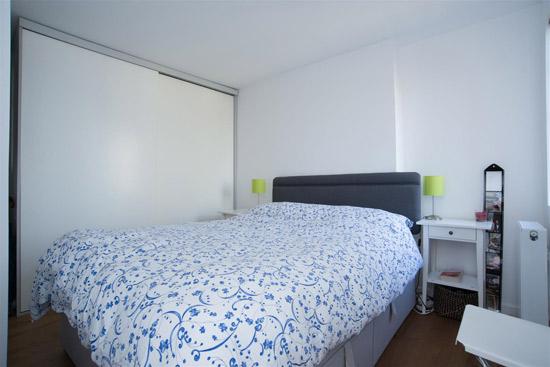 One bedroom art deco apartment in Broadlands, London N6