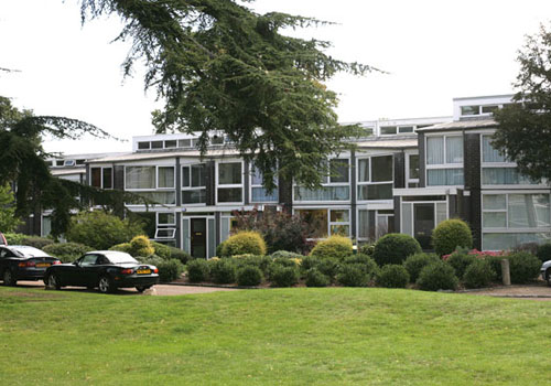 Eric Lyons-designed Span House on the Templemere Estate, Walton-on-Thames, Surrey
