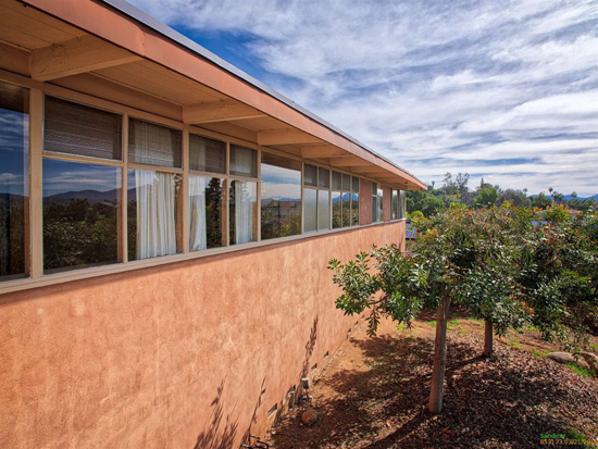 Time capsule: 1950s Lloyd Ruocco-designed Johann Residence in La Mesa, California, USA