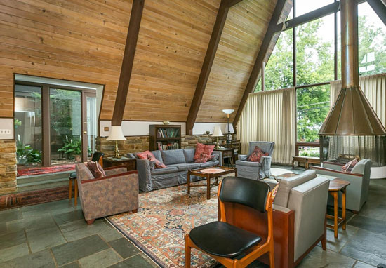 1960s Donald Ratcliffe-designed midcentury property in Towson, Maryland, USA