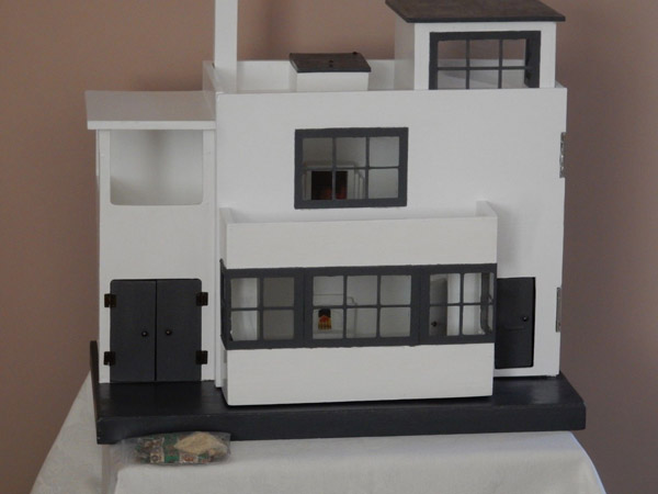 1930s Tri-ang Ultra Modern art deco doll's house on eBay