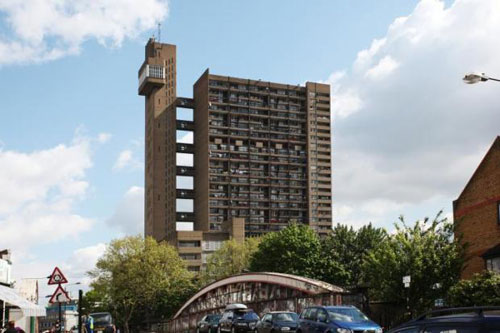 Three-bedroomed maisonette in Trellick Tower, Golborne Road, North Kensington, London