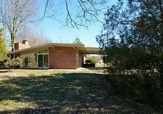 1950s Cecil Stanfield-designed midcentury modern property in Tulsa, Oklahoma