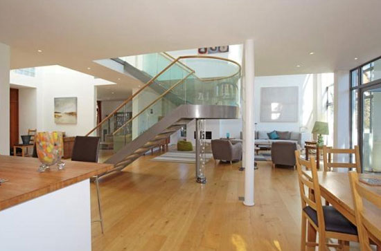 Allegria contemporary modernist property in Tunbridge Wells, Kent