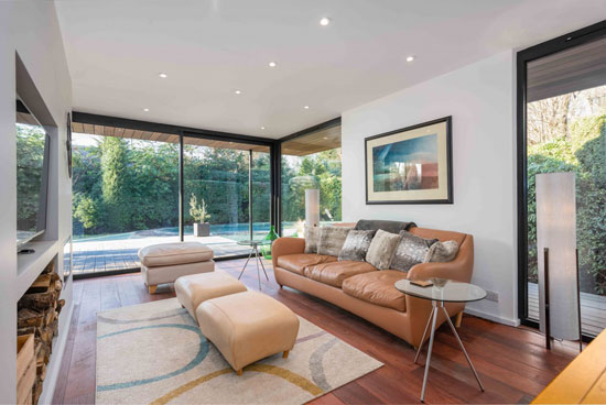 1960s Rodney Gordon Turnpoint modernist property in Walton-On-Thames, Surrey