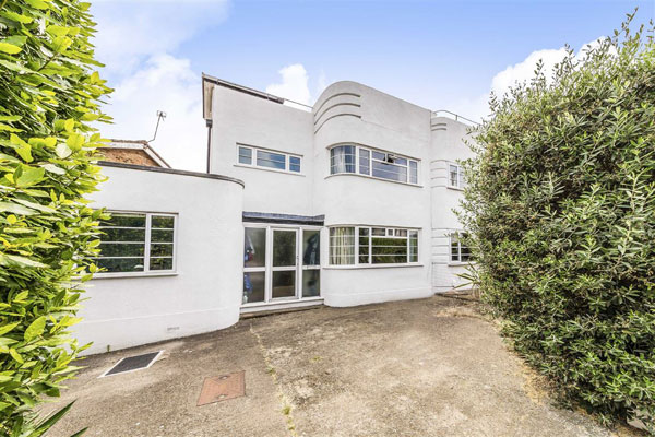 1930s art deco property in Twickenham, Great London
