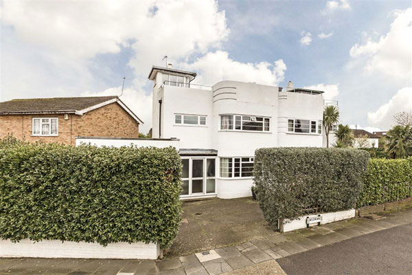 1930s art deco house in Twickenham, Greater London