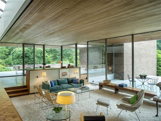 1960s Ulrich Franzen-designed The Dana House modernist property in New Canaan, Connecticut, USA