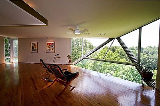1960s Albert Yanda-designed Four Seasons House on Lake Quivira, Kansas City, Missouri, USA