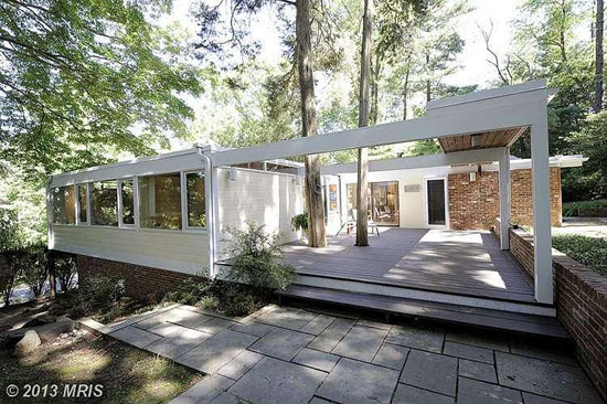 1950s Casper Neer-designed midcentury modern property in Alexandria, Virginia, USA