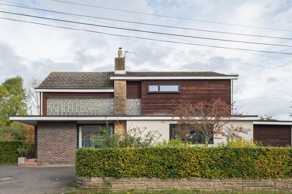 Ventura 1970s modern house in Crockham Hill, Kent