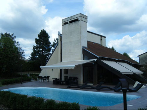 1970s three-bedroomed villa in Saint Astier, Dordogne, France