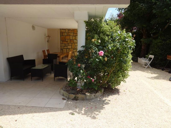 1960s modernist property in Vierzon, Cher, central France